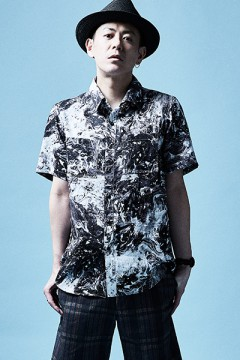 SHIRT S/S BLACK / MARBLE