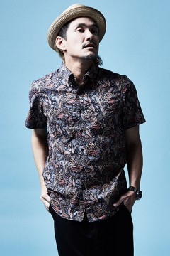 SHIRT S/S RED / PAISLEY