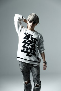 BIG JAGUARD KNIT -Cut the world- WHITE