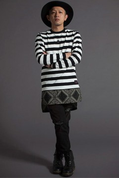 SWITCHING BORDER L/S TEE BLK