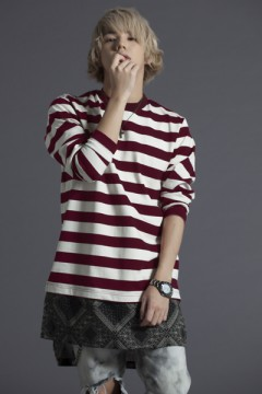 SWITCHING BORDER L/S TEE BURGUNDY