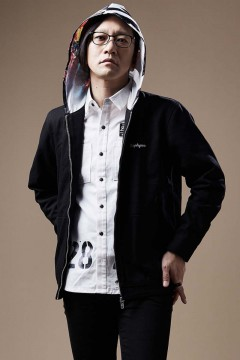 HOOD GRAPHIC JACKET BLACK