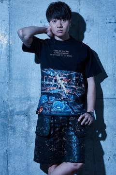 【予約商品】Zephyren(ゼファレン) BIG PHOTO TEE - Dècadence - BLACK