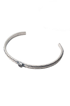 METAL BANGLE -HOLLY- ANTIQUE SILVER